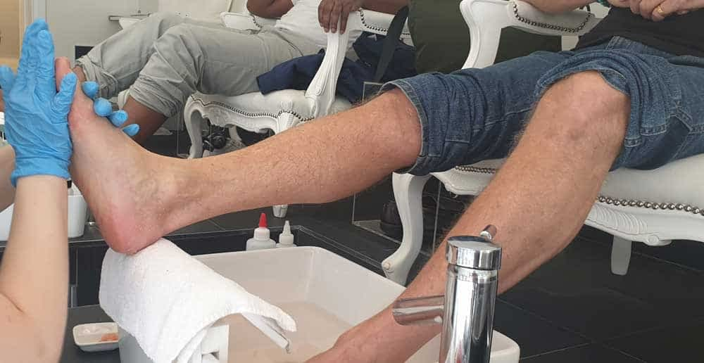 men's manicure pedicure queen b