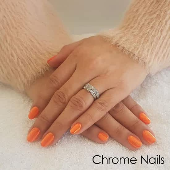 chrome gel hands Queen B